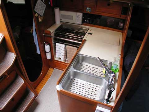 Kirie Elite 37, 1984 sailboat
