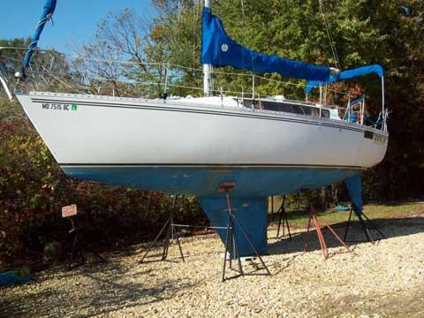 Kirie Elite 32, 1984 sailboat