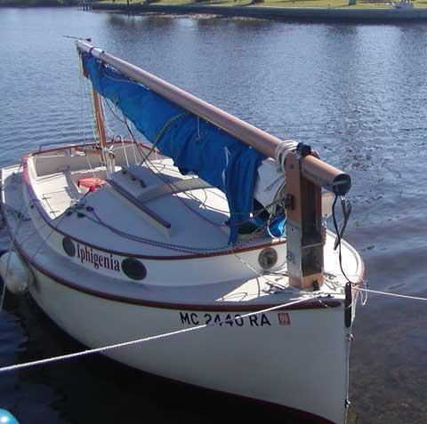 Menger 19 Catboat 2001 La Salle Michigan Sailboat For