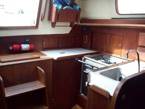 Morgan 321, 1983 sailboat