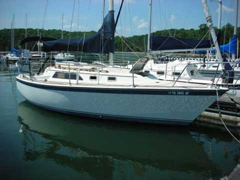 O'Day 28, 1982, Nashville, Tennessee sailboat