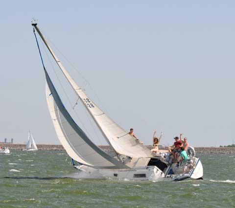 San Juan 28, 1980, Lake Ray Hubbard, Rockwall, Texas sailboat