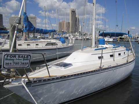 Tartan 30, 1982 sailboat