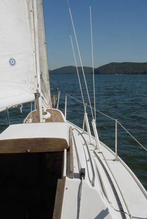US YACHTS 25, 1983 sailboat