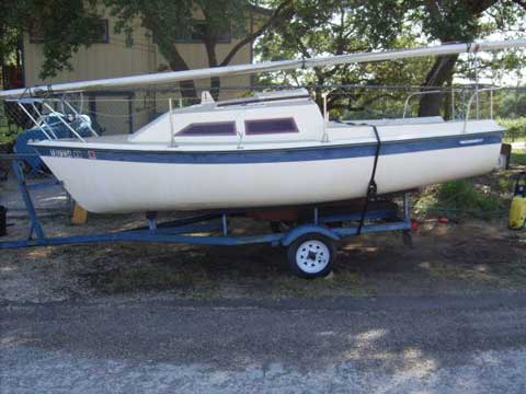 Vagabond 17, 1982 sailboat