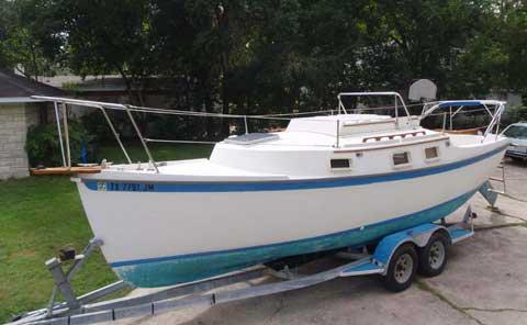 Beachcomber 25 cat-ketch, 1984 sailboat