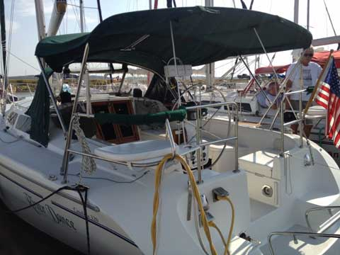 Catalina 320, 1999 sailboat