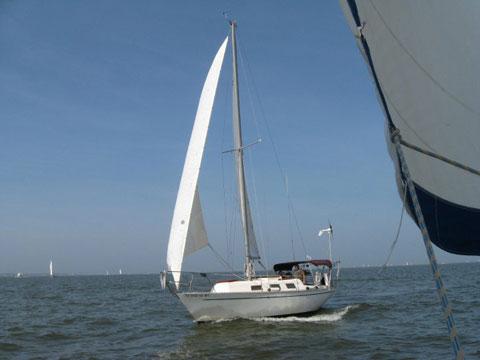 Columbia 29, 1977 sailboat