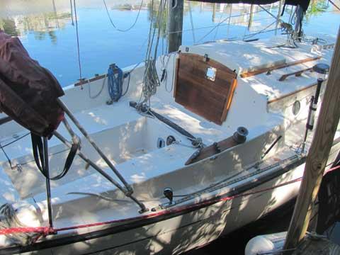 Com-pac 23, 1984 sailboat