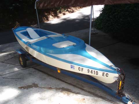 Dolphin Senior, 1973 sailboat