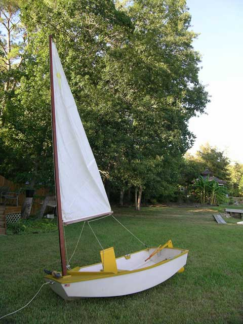 El Toro, 8 ft., 1950s sailboat