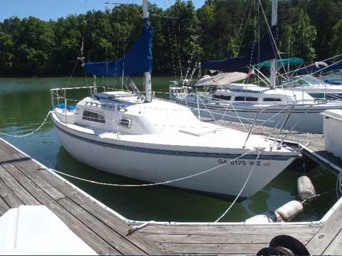 Helms 24, 1981 sailboat