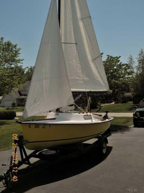 Hullmaster 15', 1971, Somonauk, Illinois sailboat