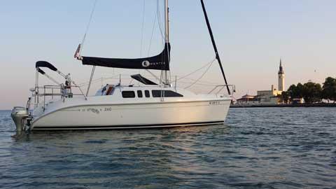 Hunter 260, 2004 sailboat