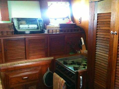 Island Trader 46102 sailboat