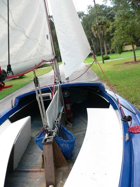 Luger Leeward 16, 1976 sailboat