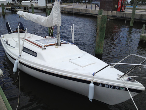 MacGregor 21, 1982 sailboat