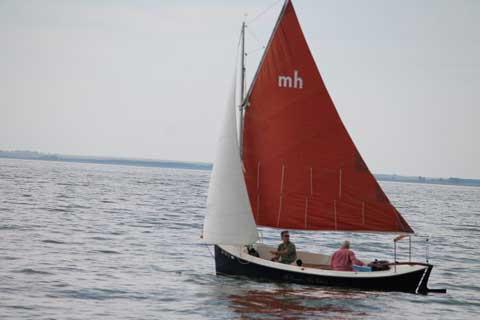 Sovereign America Mudhen 17, 1992 sailboat