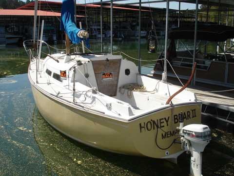 O'Day 27, 1976, Bay Springs Lake, Mississippi sailboat