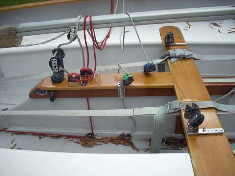Thistle Class sloop, 2000 sailboat