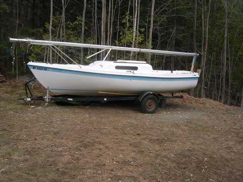 Venture 21, 1980, Schroon Lake, New York sailboat