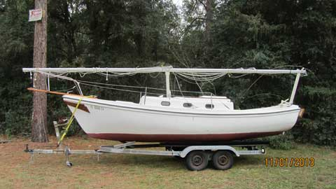Macgregor Venture of Newport 23', 1976 sailboat