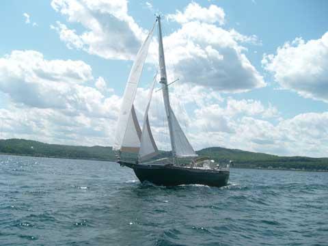 Young Sun Cruising Sailboat, 35 ft., 1981 sailboat