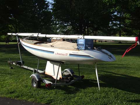America 17, 1985 sailboat