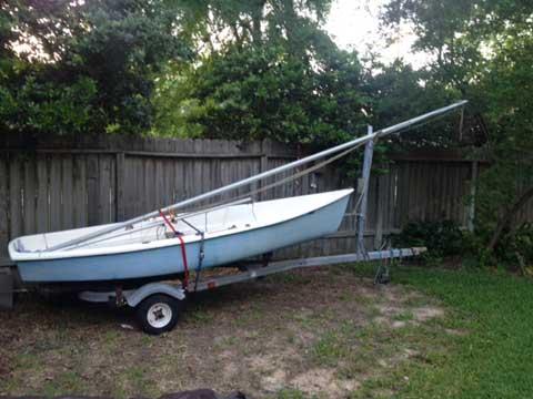 AMF Puffer, 1978 sailboat
