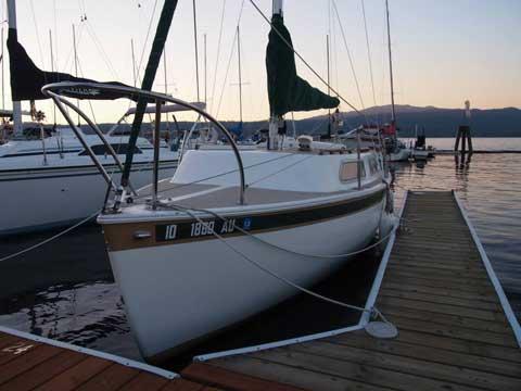 Aquarius 23, 1972 sailboat