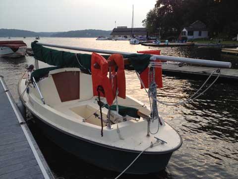 Bay Hen, 1998 sailboat