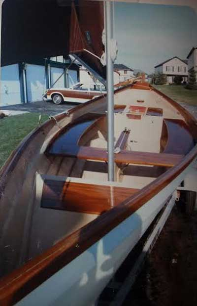 Beachcomber Dory 18, 1979 sailboat