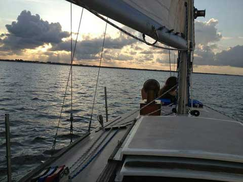 Cape Dory 27, 1977 sailboat