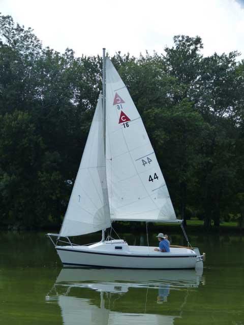 Catalina Capri 16', 1990 sailboat