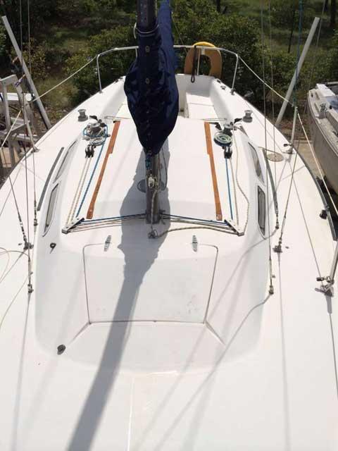 Catalina Capri 25, 1980 sailboat