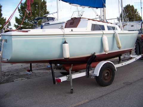 Catalina C22, 1983 sailboat