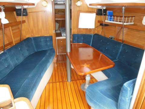 Catalina 320, 1995 sailboat