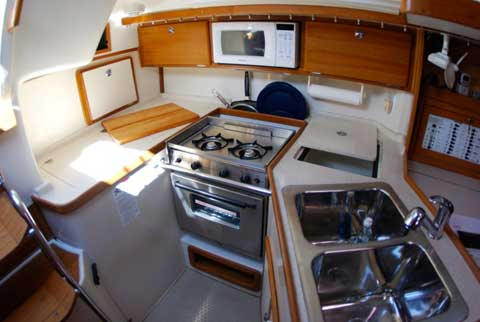 Catalina 320 2004 grapevine lake texas sailboat for for Acu salon prices
