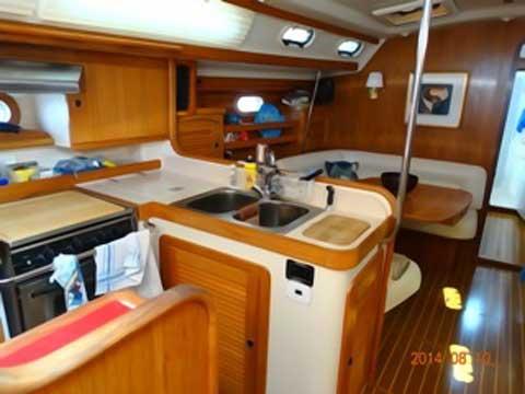 Catalina 470, 1999 sailboat