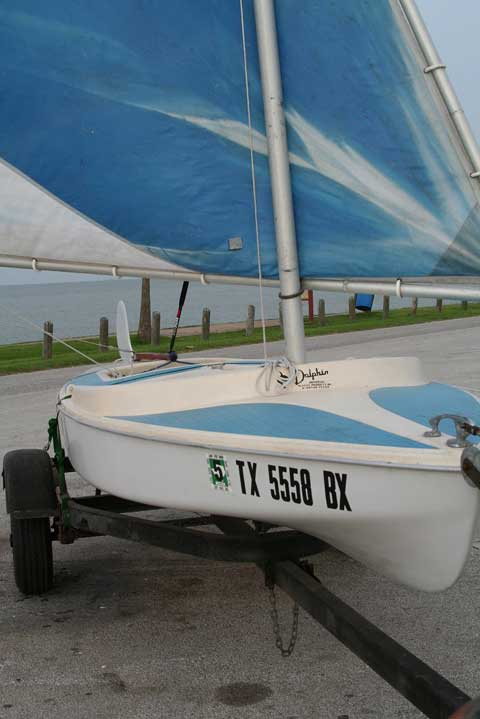Dolphin Senior, 1972 sailboat