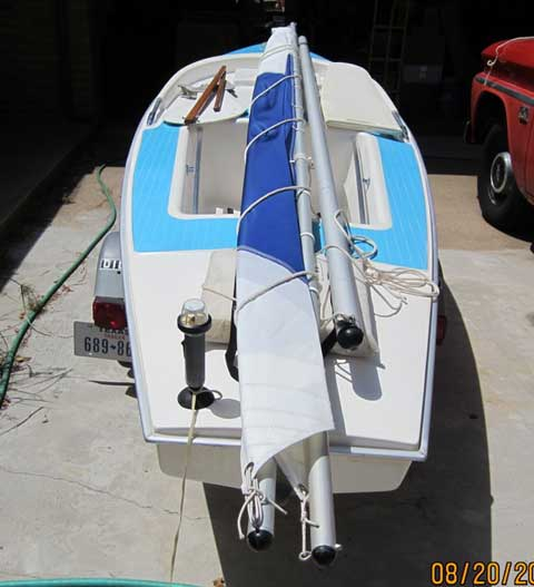 Dolphin Senior, 14', 1978 sailboat