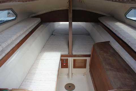 Dragonfly 25, 1985 sailboat