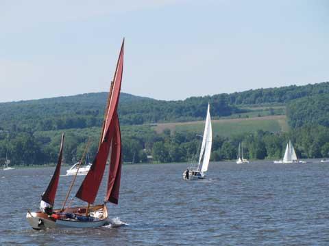Drascombe Longboat, 1984 sailboat