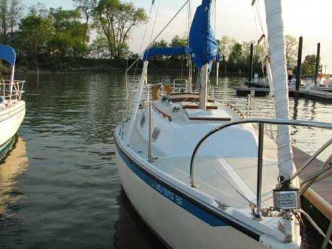 Ericson 27, 1978 sailboat