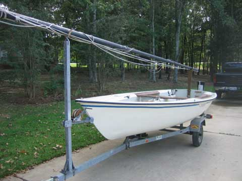 Harpoon 4.6, (Boston Whaler), 1979 sailboat