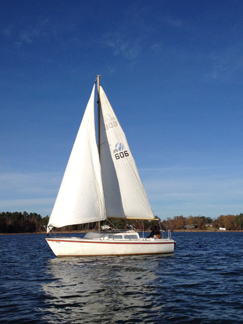 Helms 25, 1977 sailboat