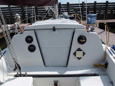Hunter 25, (Cherubini), 1978 sailboat