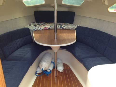 Hunter 270, 2002 sailboat