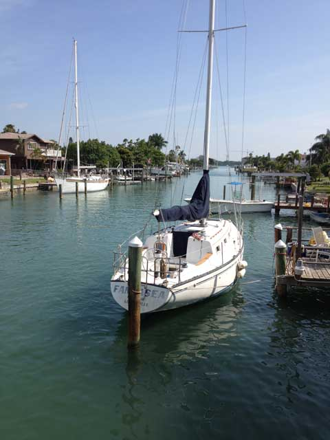 Hunter Cherubini 33, 1980 sailboat