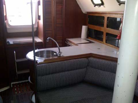 Hunter Legend 35, 1988 sailboat